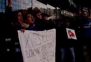 Flormar workers protesting in Berlin